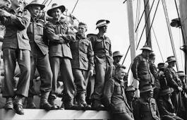 Photograph of 3RAR on the deck of a US troopship